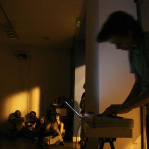 25.09.2005. Electroliving de Juan Sorrentino